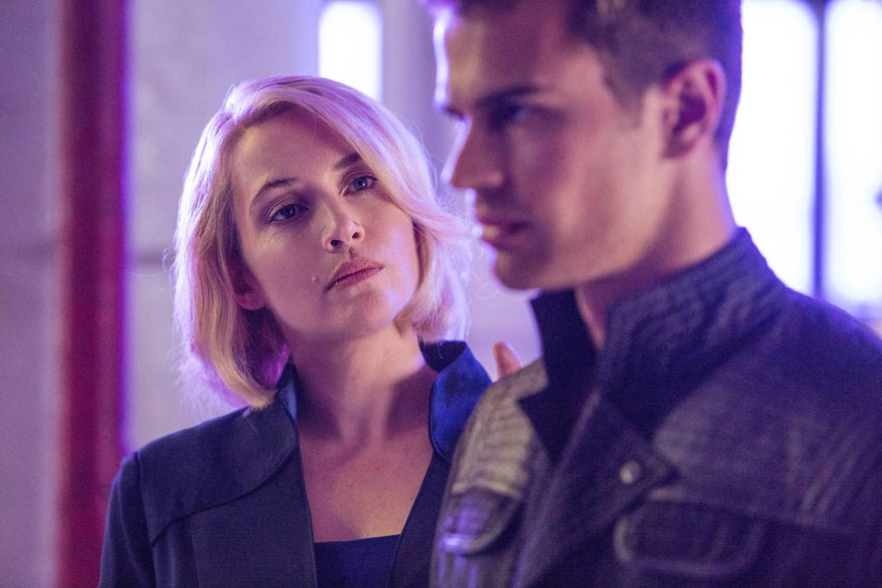 http://fandomnetnews.files.wordpress.com/2014/03/divergentstill17.jpg
