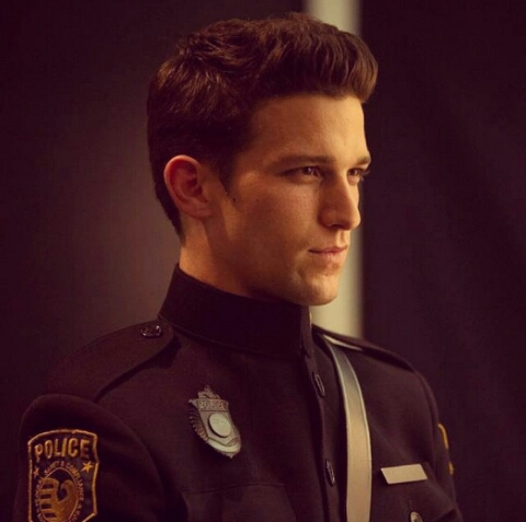 Stills Of Daren Kagasoff As Alex Sheathes In The Delirium Pilot Thefandom News You can also download full movies from zoechip and watch it later if you want. daren kagasoff as alex sheathes