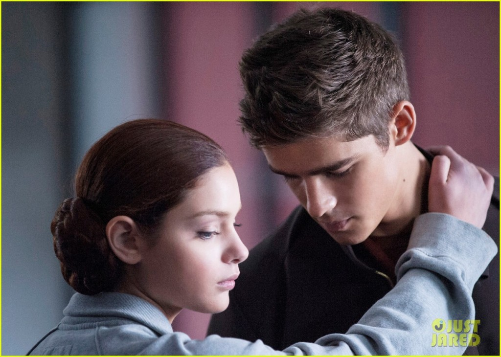 New Stills from THE GIVER Feature Jonas and...