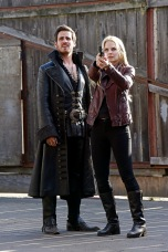 OUAT-A-Tale-of-Two-Sisters-21